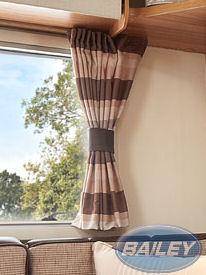 An image of Unicorn III Cadiz Curtain Set in Trafalgar
